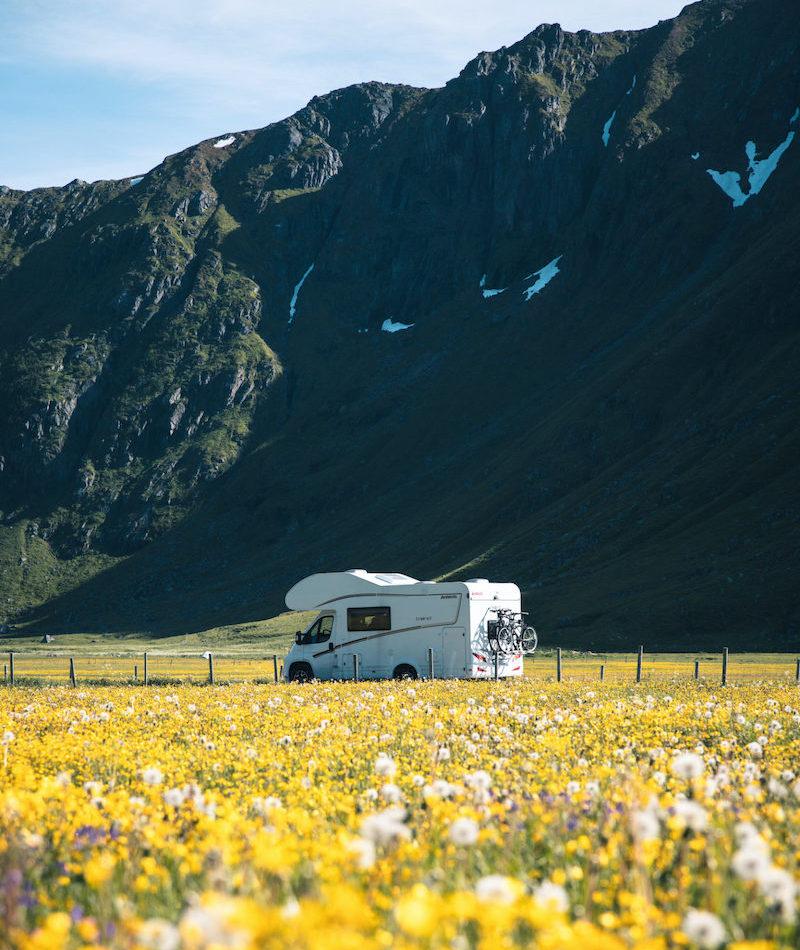Reis på hjulferie til sommeren med campingvogn eller bobil fra Ferda!